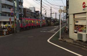 世田谷線が目の前を走ります。