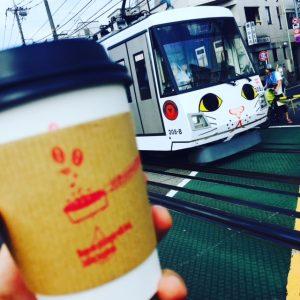 招き猫電車とコーヒー
