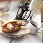 ホットドッグとコーヒー
